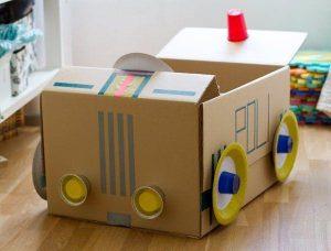 juguetes carton 1 300x228